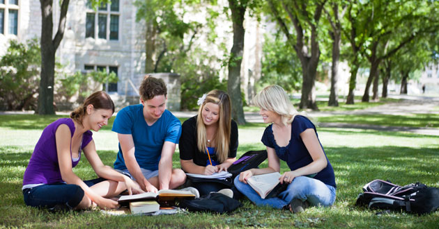 cz-students-studying-on-lawn-630x330